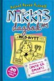 Bokomslag för Nikkis dagbok #5: Berättelser om en (INTE SÅ SMART) Fröken Besserwisser